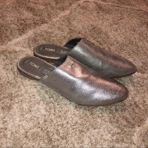 Toms Pewter Metallic Leather Jutti Mule Flats| 8.5